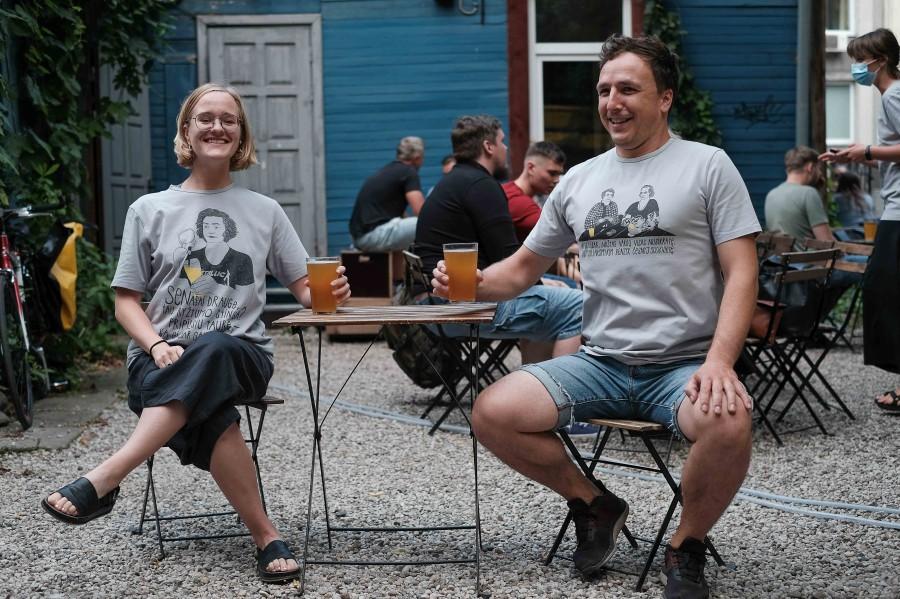 Vingiu Dubingiu marškinėliai: Donelaitis ir Mickevičius dviese